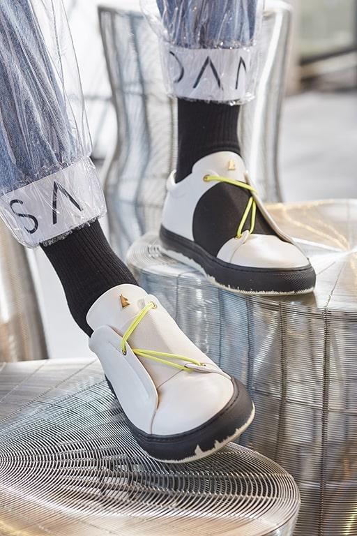 19- danielessa_bicolor_graphic_sneaker