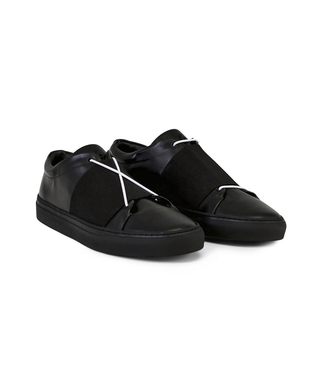 XOXO N.N Low-Top Black Sneaker