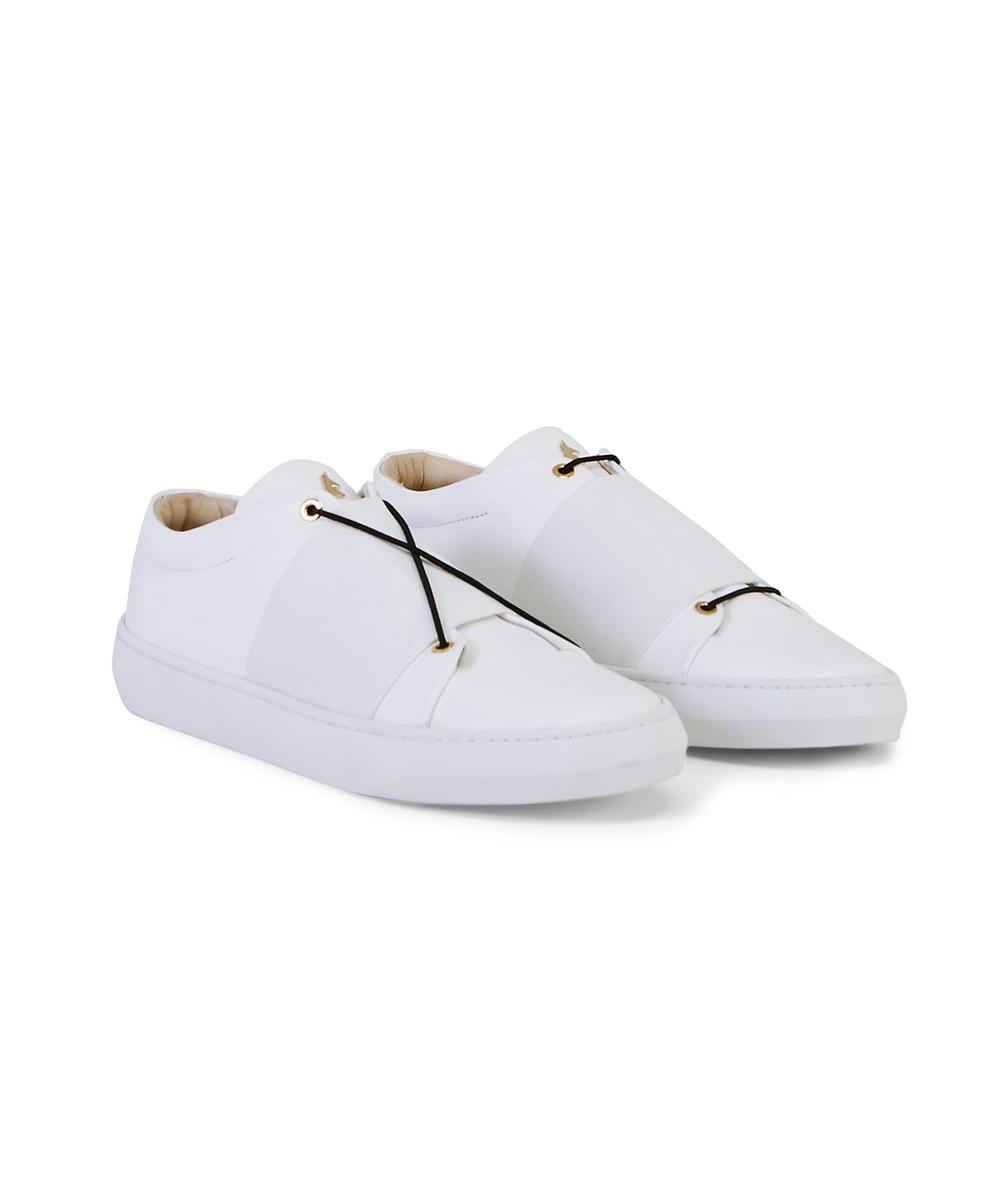 XOXO B.B Low-Top Sneaker